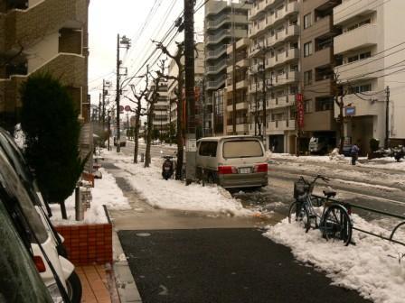 店頭 大雪 黒酢の寿司京山