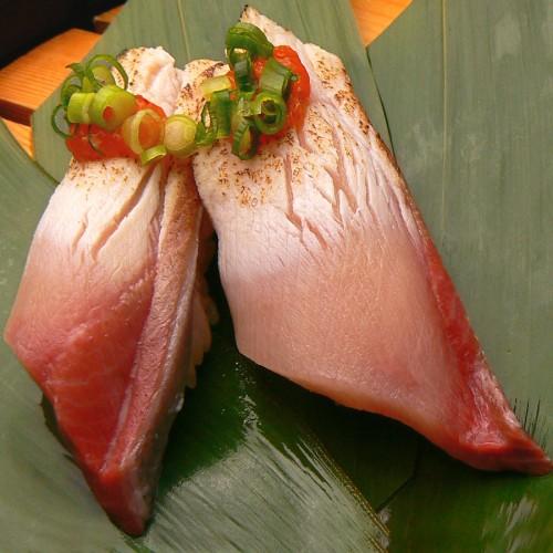 黒酢の寿司京山 かんぶりのあぶり